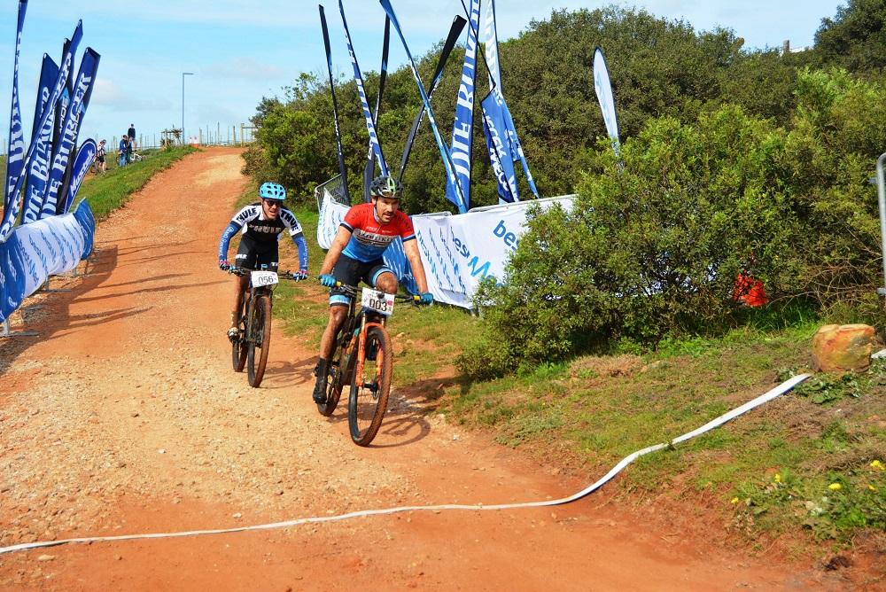 Joubert defends title in Makro mountain-bike race