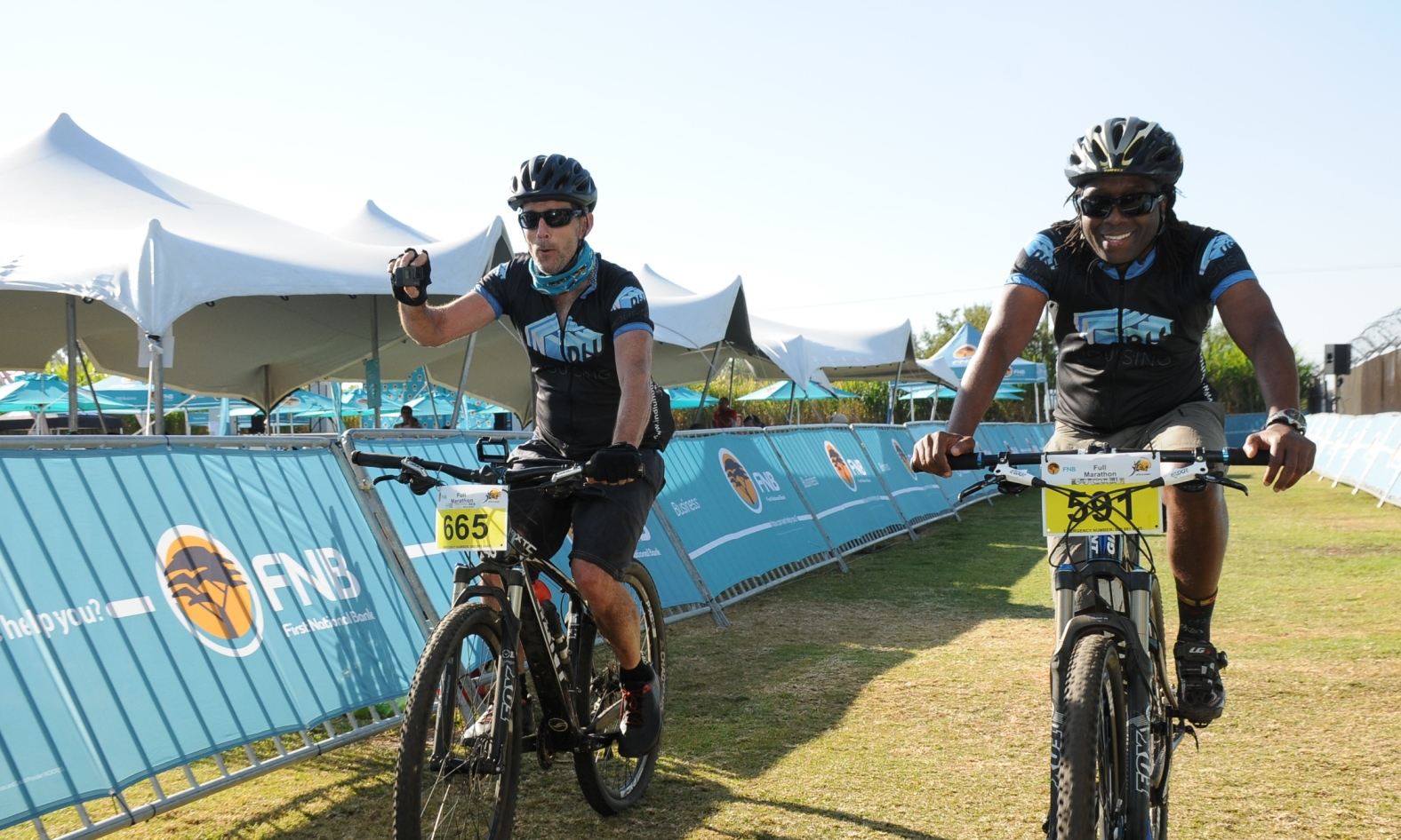 Friends ready to conquer the FNB Magalies Monster MTB Classic together